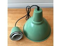 VINTAGE INSUSTRIAL STYLE GREEN HANGING PENDANT LAMP LIGHT SHADE METAL IKEA NEVER USED BARGAIN