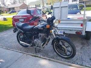 Motorcycle 1982 Yamaha Xs400