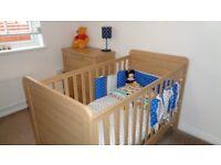 Mamas and Papas Baby/Toddler cot and drawer set