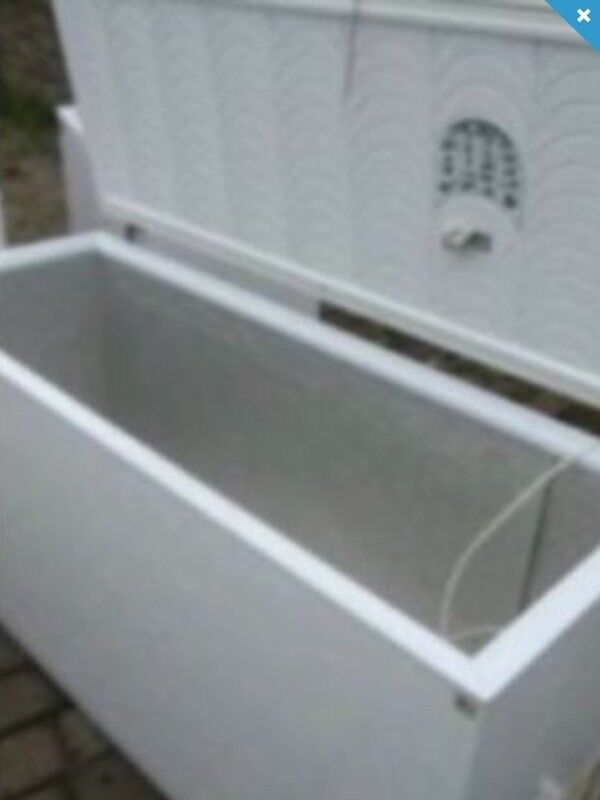 HUGE COMMERICAL USE CHEST FREEZER 701 LITRES DELIVERY AVAILABLE
