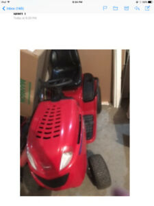Lawn tractor , use little - 4 years old