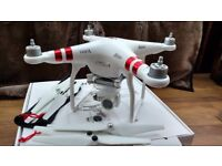 DJI Phantom 3 Standard quadcopter complete with TWO batteries. Excellent condition!