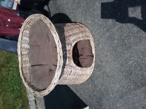 Basket / Home for cat
