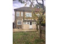 £ 3 Bed house based in Seven kings near to the local bus & Tube station