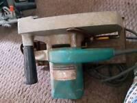 Makita 9incj circular saw