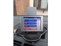 Garmin Nuvi 310 GPS Sat Nav w/ Weighted Dashboard Stand (Fantastic Condition)