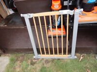 no 10 )clean wooden stair gate with fittings