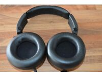 JBL Synchros Slate S500 Black Powered Over-the-Ear Stereo Headphones