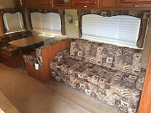 2008 Savoy Fifth Wheel 31'