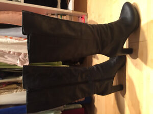 Hunters & leather boots & heels size 8 & 9