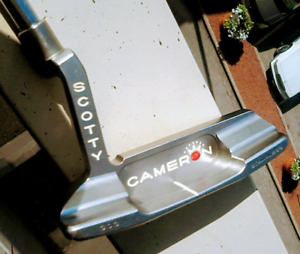Great Scotty Cameron Newport 2 putter 35 in with head cover