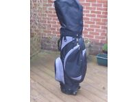 E-TIGER DURABLE LIGHTWT STAFF EXPLORER TRAVEL GOLF BAG WITH BUILT-IN WHEELS & EXTENDABLE PULLHANDLE