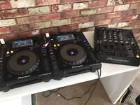 Pair of Pioneer Nexus 900 CDJ plus DJM 700 professional 4 channel mixer
