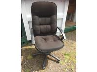 GAS LIFT OFFICE CHAIR VERY COMFY - CAN DELIVER