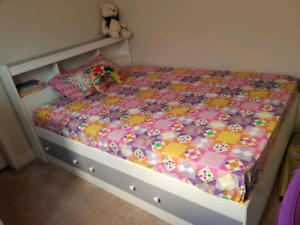 Double bed bedroom set mattress not included!!!