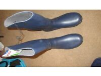 NEW SIZE 11 BLUE MENS WELLINGTON BOOTS