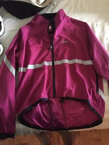 Running room jacket size small