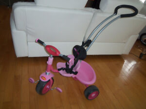 Tricycle rose avec pousseur