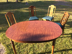 Kitchen table and chairs - good condition
