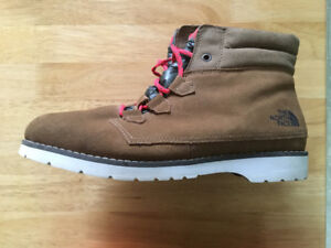 Ladies north face winter boots size 10