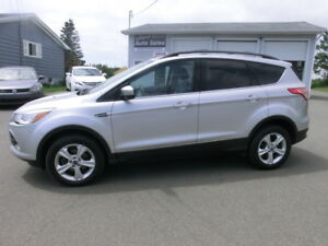 2013  Ford Escape SE  All wheel drive  1 Owner
