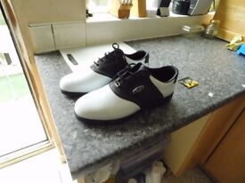BRAND NEW MENS DUNLOP GOLF SHOES LEATHER SIZE 10.5