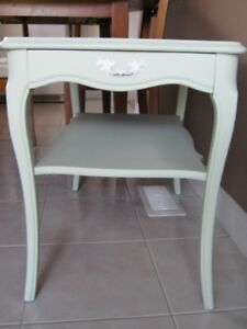 Shabby Chic French Style Side/End Table