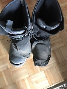 Dakota steel toed boots (rated to -100 C)