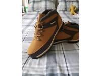 Mens Boots UK 9