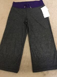 Lululemon relaxed fit  crops sz 8