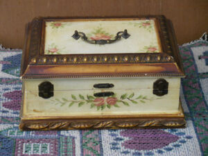 Jewellery boxes, ring holders and such