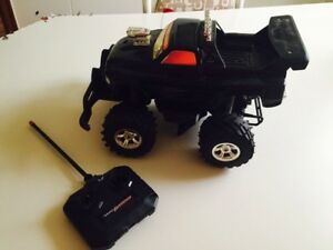 4x4 remote monster truck REDUCED