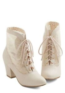 B.A.I.T Ivory Lace Boots Bridal Heels 9 New in Box