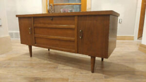 LANE Cedar Hope Chest / Blanket Box - Vintage / Mid Century