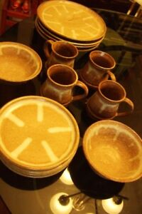 POTTERY & MID-CENTURY MODERN DISHES for Sale