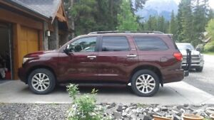 2008 Toyota Sequoia Limited SUV, Crossover