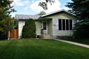 HOUSE FOR SALE IN MONTGOMERY PLACE, SASKATOON