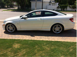 2012 Mercedes-Benz C-Class Coupe (2 door) LIKE NEW 41,000 kms