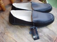 Black Leather Shoes size 7--Brand New with Tags!