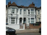 5 bedroom house in Chapter Road, Willesden, NW2