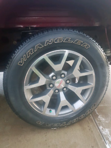 Selling 2014 GMC 20inch rims