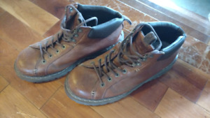 Various shoes in great condition for sale. 40,10,10
