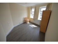 2 Bedroo First Floor Flat To Let in Gidea Park- Dss welcome