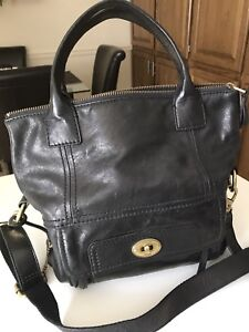 FOSSIL purse (BRAND NEW)!!