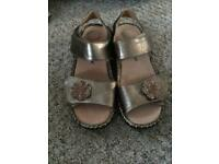 Ladies comfort shoes size 6