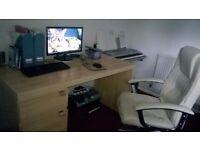 Light Oak Effect Desk & Cream Executive Chair in Good-Excellent Condition