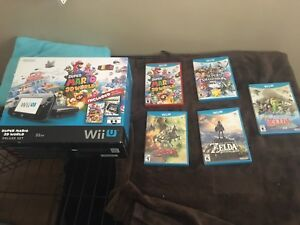 Wii U 32GB Console with 5 games, great condition
