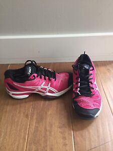 Asics Gel, size 5, nearly new