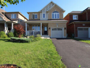 Beautiful Home for Rent in Stoney Creek (Fifty Road)