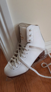 Jackson Ultima Artiste-- figure Skate- size 13 for $35